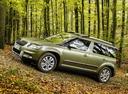 Фото авто Skoda Yeti 1 поколение [рестайлинг], ракурс: 90 цвет: зеленый