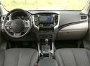 Фото авто Mitsubishi L200 5 поколение, ракурс: торпедо