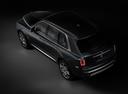 Фото авто Rolls-Royce Cullinan 1 поколение, ракурс: 135 цвет: серый