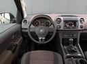 Фото авто Volkswagen Amarok 1 поколение, ракурс: рулевое колесо