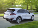 Фото авто Porsche Cayenne 958 [рестайлинг], ракурс: 225 цвет: белый
