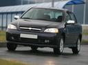 Фото авто Chevrolet Viva 1 поколение, ракурс: 45 цвет: черный