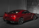 Фото авто Nissan GT-R R35 [2-й рестайлинг], ракурс: 225 цвет: красный