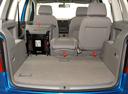 Фото авто Volkswagen Touran 1 поколение, ракурс: багажник