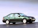 Фото авто Volkswagen Bora 1 поколение, ракурс: 270 цвет: зеленый