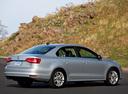 Фото авто Volkswagen Jetta 6 поколение [рестайлинг], ракурс: 225 цвет: серебряный