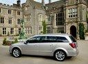 Фото авто Opel Astra Family/H [рестайлинг], ракурс: 90 цвет: серебряный