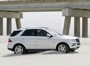 Фото авто Mercedes-Benz M-Класс W166, ракурс: 270 цвет: белый
