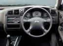 Фото авто Nissan AD Y11, ракурс: рулевое колесо