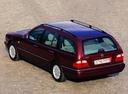 Фото авто Mercedes-Benz E-Класс W210/S210, ракурс: 135 цвет: бордовый