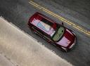 Фото авто Cadillac XT5 1 поколение, ракурс: сверху цвет: красный