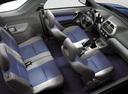 Фото авто Toyota RAV4 2 поколение, ракурс: салон целиком