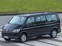 Фото авто Volkswagen Caravelle T6, ракурс: 45 цвет: черный