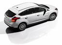 Фото авто Ford Focus 3 поколение, ракурс: сверху цвет: белый