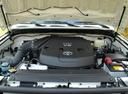 Фото авто Toyota FJ Cruiser 1 поколение, ракурс: двигатель
