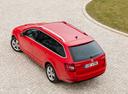 Фото авто Skoda Octavia 3 поколение [рестайлинг], ракурс: сверху цвет: красный