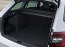 Фото авто Skoda Octavia 3 поколение [рестайлинг], ракурс: багажник цвет: белый