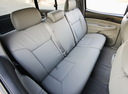 Фото авто Toyota Tacoma 2 поколение, ракурс: задние сиденья
