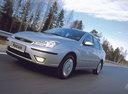 Фото авто Ford Focus 1 поколение [рестайлинг], ракурс: 45 цвет: серебряный