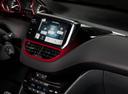 Фото авто Peugeot 208 1 поколение, ракурс: центральная консоль