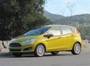 Фото авто Ford Fiesta 6 поколение [рестайлинг], ракурс: 90 цвет: салатовый