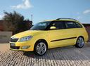 Фото авто Skoda Fabia 5J [рестайлинг], ракурс: 45 цвет: желтый