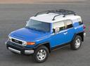 Фото авто Toyota FJ Cruiser 1 поколение, ракурс: 45 цвет: синий