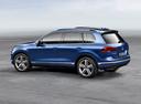 Фото авто Volkswagen Touareg 2 поколение [рестайлинг], ракурс: 135 цвет: синий