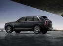 Фото авто Rolls-Royce Cullinan 1 поколение, ракурс: 90 цвет: серый