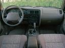 Фото авто Toyota Tacoma 1 поколение [рестайлинг], ракурс: торпедо