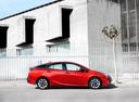 Фото авто Toyota Prius 4 поколение, ракурс: 270 цвет: красный