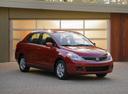 Фото авто Nissan Versa 1 поколение [рестайлинг], ракурс: 315 цвет: красный