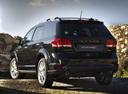 Фото авто Dodge Journey 1 поколение [рестайлинг], ракурс: 135 цвет: черный
