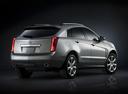 Фото авто Cadillac SRX 2 поколение [рестайлинг], ракурс: 225 цвет: серебряный