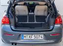 Фото авто BMW 1 серия F20/F21 [рестайлинг], ракурс: багажник цвет: серый