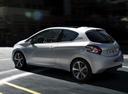 Фото авто Peugeot 208 1 поколение, ракурс: 135 цвет: серебряный