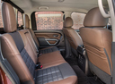 Фото авто Nissan Titan 2 поколение, ракурс: задние сиденья