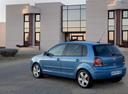 Фото авто Volkswagen Polo 4 поколение [рестайлинг], ракурс: 135 цвет: голубой