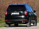 Фото авто Subaru Forester 4 поколение, ракурс: 180 цвет: черный