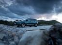 Фото авто Peugeot 5008 2 поколение, ракурс: 45 цвет: зеленый