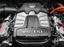 Фото авто Volkswagen Touareg 2 поколение, ракурс: двигатель