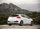 Фото авто Kia Cee'd 2 поколение [рестайлинг], ракурс: 225 цвет: белый