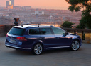 Фото авто Volkswagen Passat B7, ракурс: 270 цвет: синий