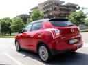 Фото авто SsangYong Tivoli 1 поколение, ракурс: 135 цвет: красный