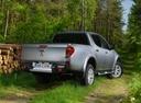 Фото авто Mitsubishi L200 4 поколение [2-й рестайлинг], ракурс: 225 цвет: серый