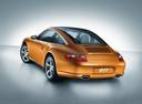 Фото авто Porsche 911 997, ракурс: 225 цвет: золотой