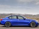 Фото авто BMW M5 F90, ракурс: 270 цвет: синий