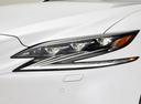 Фото авто Lexus LS 5 поколение, ракурс: передние фары цвет: белый