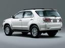 Фото авто Toyota Fortuner 1 поколение [2-й рестайлинг], ракурс: 135