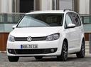 Фото авто Volkswagen Touran 1 поколение [2-й рестайлинг], ракурс: 45 цвет: серебряный